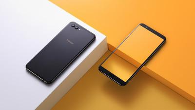 Начались продажи международной версии смартфона Huawei Honor View 10