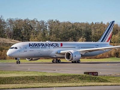 Air France-KLM за 2017 год получила убыток в 274 млн. евро против прибыли ранее