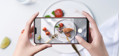 Oppo представила свой новый селфи-смартфон F7