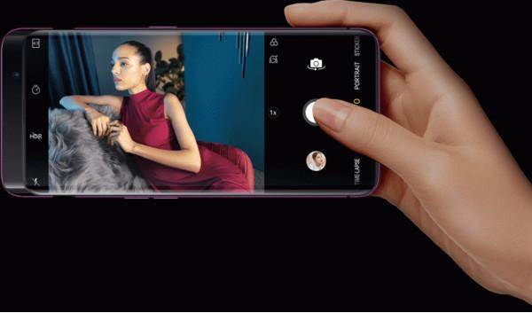Флагманский смартфон Oppo Find X получил три выдвижные камеры – анонс