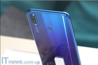 Стартуют продажи смартфона Huawei P smart+ - 17 августа со скидкой 1000 грн.