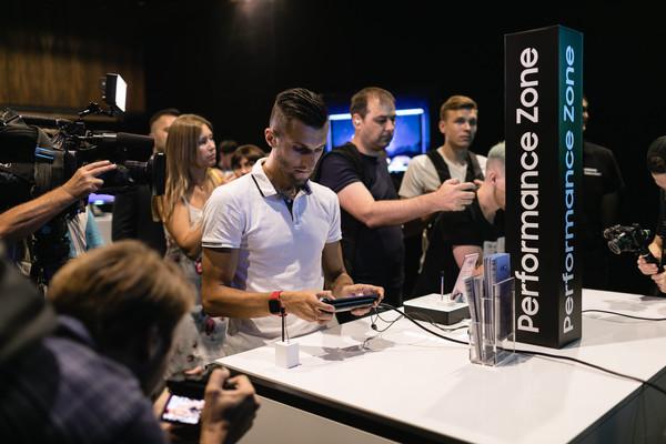 Samsung Galaxy Note9 презентовали в Украине