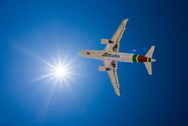 В Италии решают как спасти авиакомпанию Alitalia