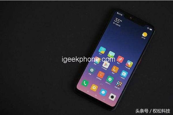 Подробности о смартфоне Xiaomi Mi 8C