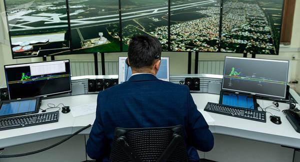 Из-за шатдауна авиадиспетчеры США работают по 10 часов за смену