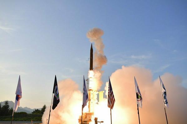 На Аляске испытали израильскую систему ПРО для перехвата ракет в космосе