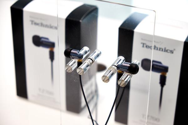 Technics анонсирует выпуск внутриканальных наушников EAH-TZ700