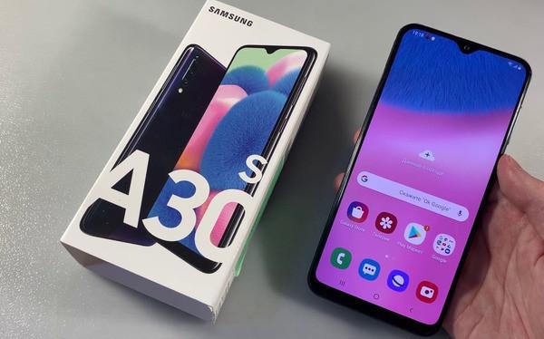 Названы лучшие смартфоны осени-2019