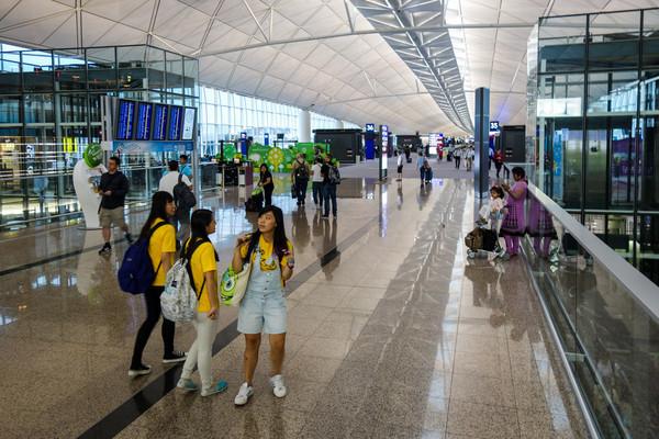 Гонконгский аэропорт переживает падение