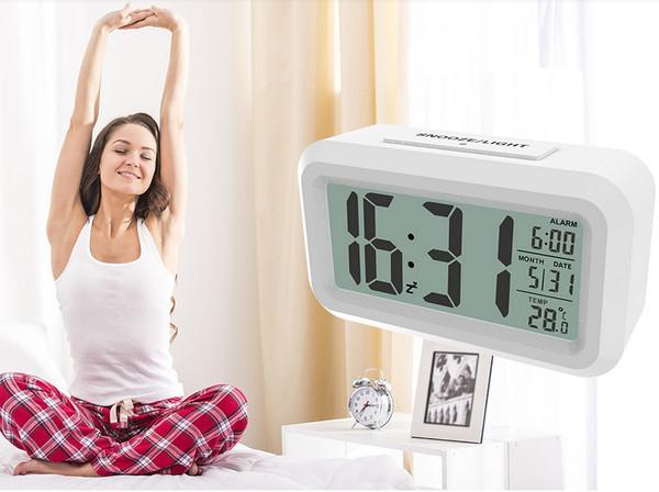 CAT-100 - новая модель часов с будильником и термометром от Ritmix