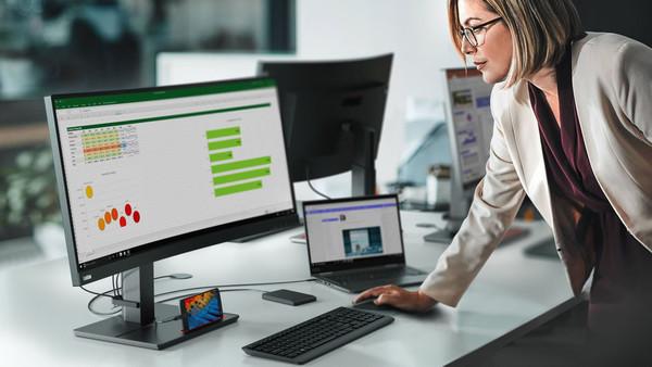 Для 71% сотрудников ПК остается основным рабочим инструментом – Lenovo