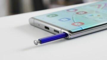 Samsung Galaxy Note 10 Lite: облегченный флагман