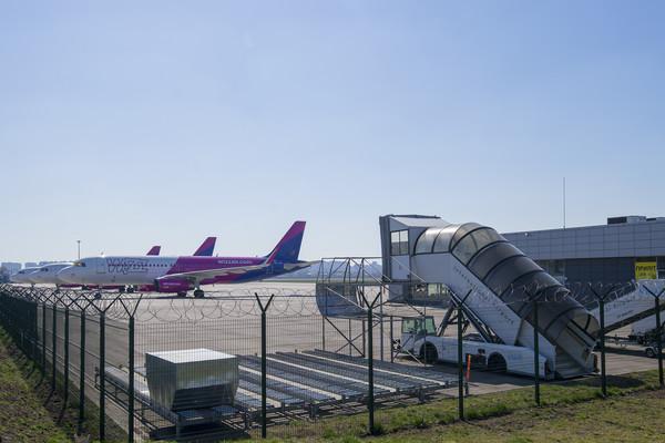 19% персонала минус, минус и зарплаты -  Wizz Air