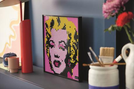 LEGO Group возвращает поп - арт на стены наших домов