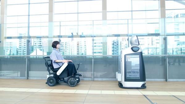 Panasonic тестирует роботизированный сервис для перевозки пассажиров в Токио