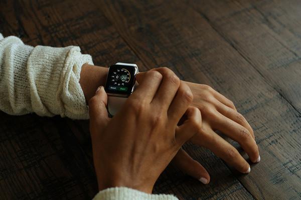 Новые смарт-часы Apple Watch проходят сертификацию с тремя разными аккумуляторам