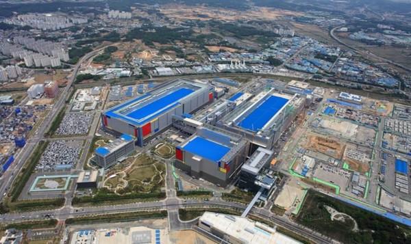 В сентябре Samsung начнёт строить новый завод по производству микросхем