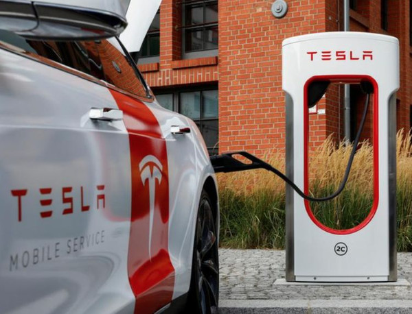 Tesla заинтересована в поставках никеля для тяговых батарей из Канады