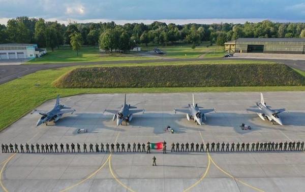 Португалия разместила истребители в Польше на 2 месяца