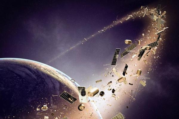 50 опасных объектов космического мусора