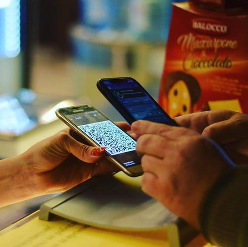 Вдвое больше украинцев стали пользоваться мобильным кошельком от Vodafone