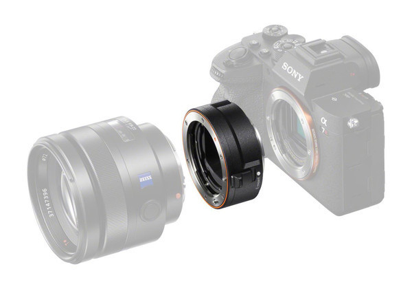 Sony анонсирует новый адаптер LA-EA5 для объективов с байонетом A