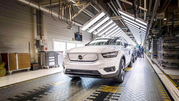 Volvo начала производство своего первого электрокара — кроссовера XC40 Recharge