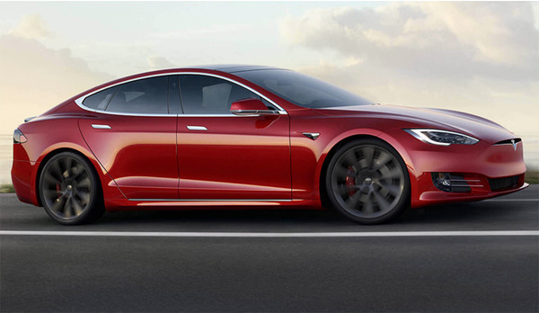 Tesla начала осторожно активировать полный автопилот на своих электрокарах