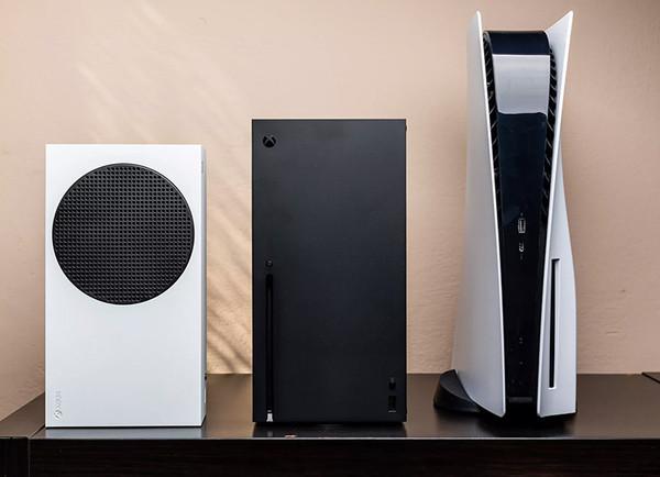 Гиганты готовы к штурму гостиных: размеры PlayStation 5 и Xbox Series X сравнили