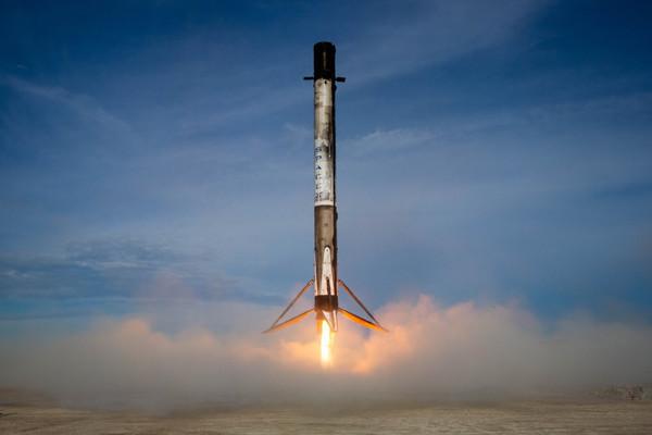SpaceX успешно вывела на орбиту американский спутник связи SXM-7