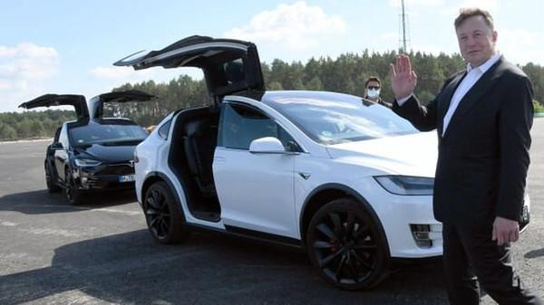 Tesla продаст акции на сумму $5 млрд, чтобы финансировать строительство заводов