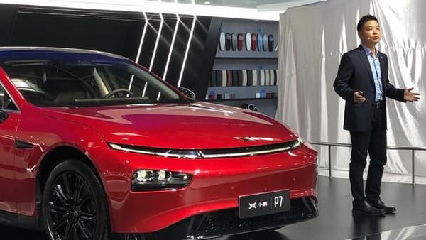 Китайские электромобили Xpeng научились ездить за городом на автомате