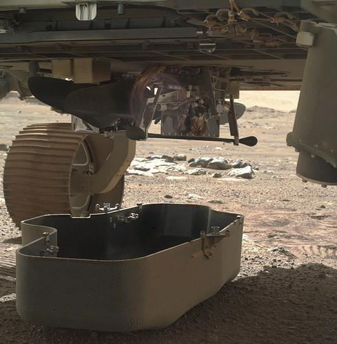 Марсианский вертолёт Ingenuity готовится к полетам на