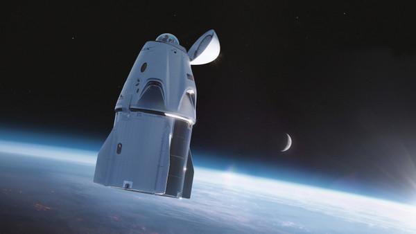 SpaceX показала новую версию пассажирского корабля Crew Dragon