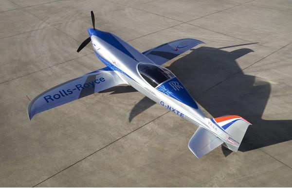 Rolls-Royce испытала пробежкой самый быстрый электрический самолёт в мире
