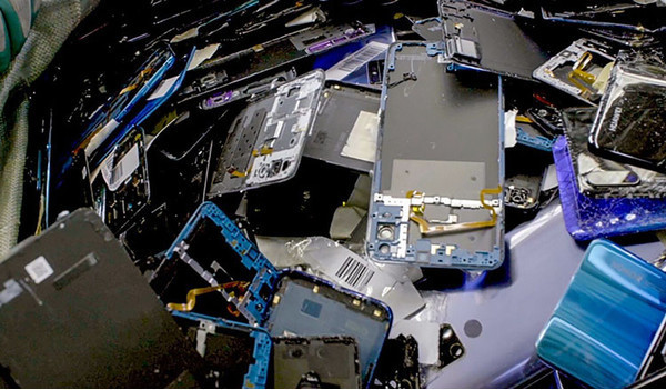Китай намерен превратить утилизацию старых смартфонов в прибыльный бизнес