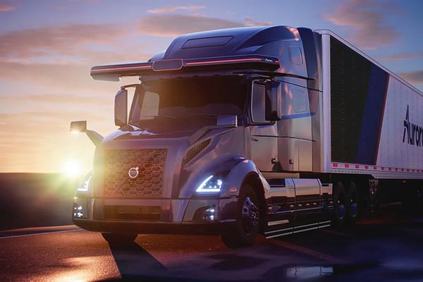 Volvo и Aurora объединились для создания беспилотных грузовиков для США