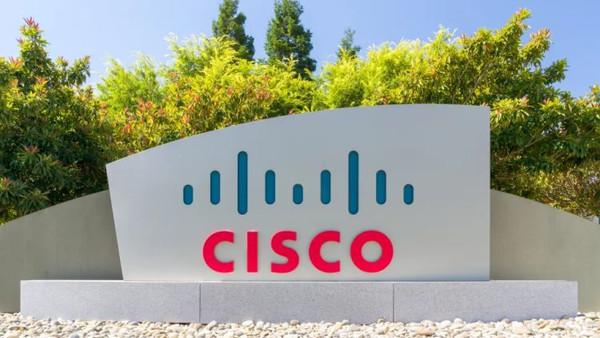 Глава Cisco призвал смириться с тем, что дефицит чипов растянется на два года