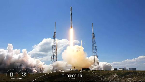 SpaceX вывела ещё 60 спутников Starlink и приближается к первоначальной цели